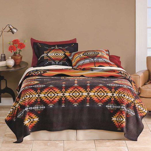 Pueblo Dwelling Wool and Cotton-blend Blanket 163cm x 203cm