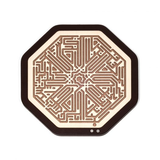 Octagonal labyrinth Game